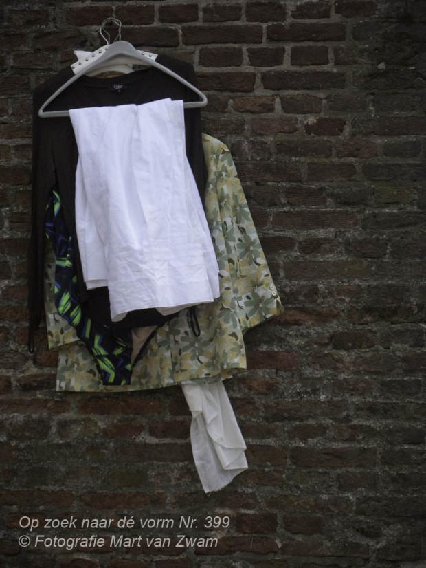 Een gevulde klerenhanger